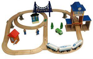Tren de madera de ToysRus