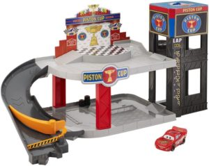 Garaje de Rayo de Cars 3