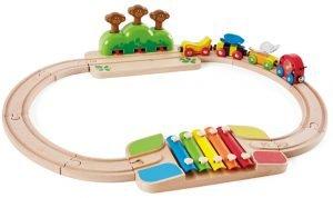 Tren de madera musical con mono de Hape